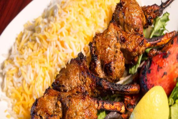 رستوران-های-نزدیک-حمام-سلطان-امیر-احمد کاشان
