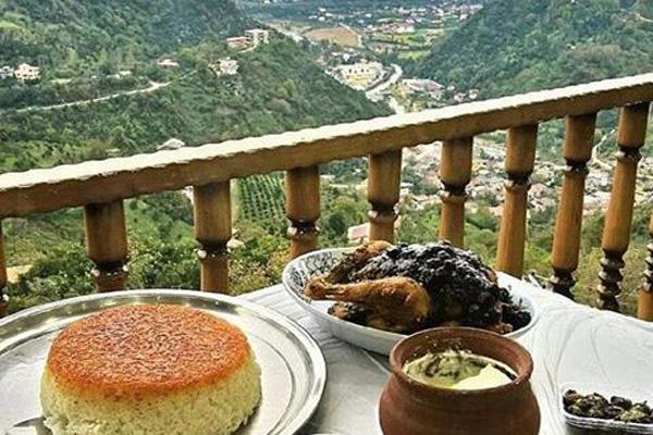 رستوران-های-نزدیک-روستای-ابیانه کاشان