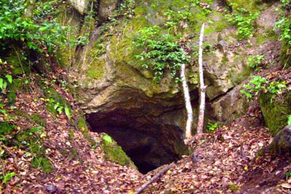 روستای فوشه و غار کهنش