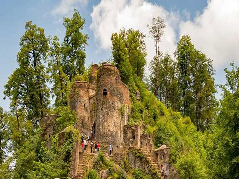 قلعه رودخان فومن ؛ قلعه ای در ابرها