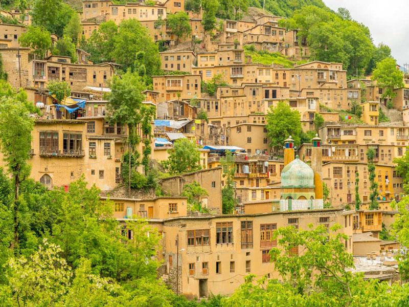 ماسوله شهری در کوه در استان گیلان