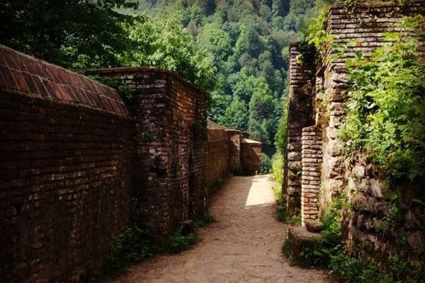 آشنایی با موقعیت مکانی قلعه رودخان
