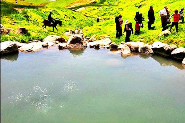 چشمه آب معدنی علی زاخونی و زمزمه در فومن