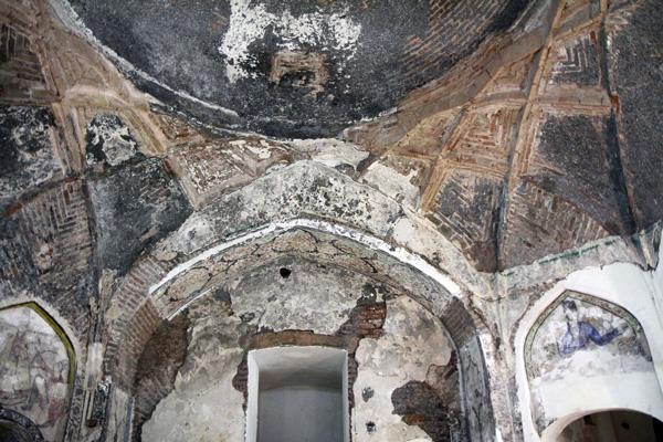 استفاده-مردم-از-حمام-بلور قزوین