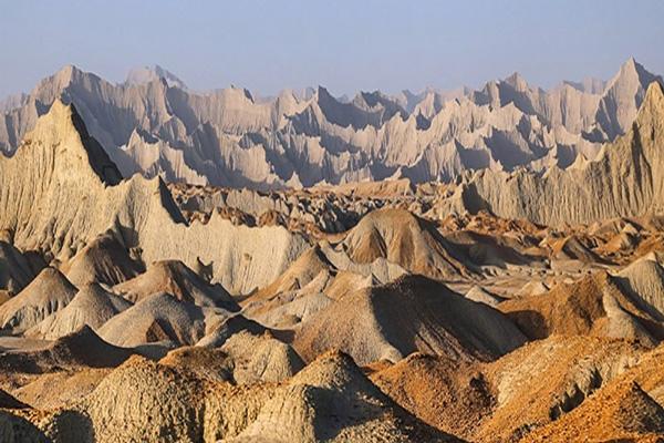 بررسی-های-علمی-بر-روی-کوههای-مریخی چابهار