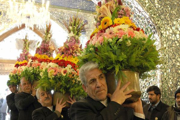 تزئینات-با-گل داخل حرم