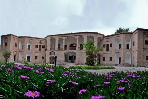 معماری-باغ-اکبریه بیرجند
