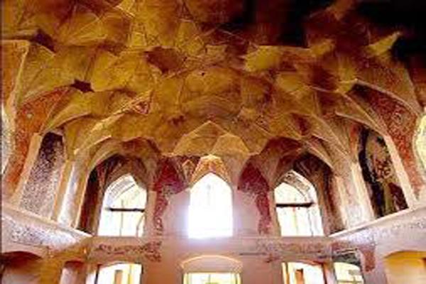 معماری-کاخ-چهل-ستون قزوین
