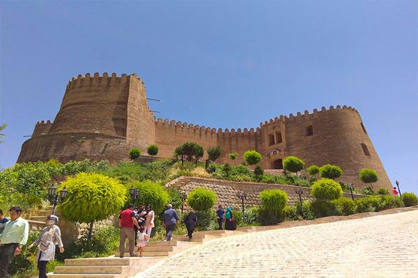 تاریخچه-قلعه-فلک-الافلاک خرم آباد