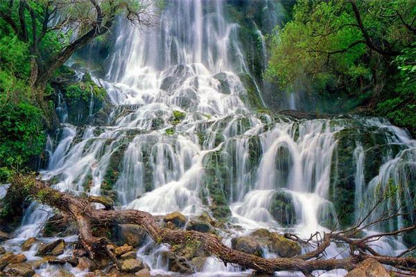 درباره-آبشار-نوژان خرم آباد