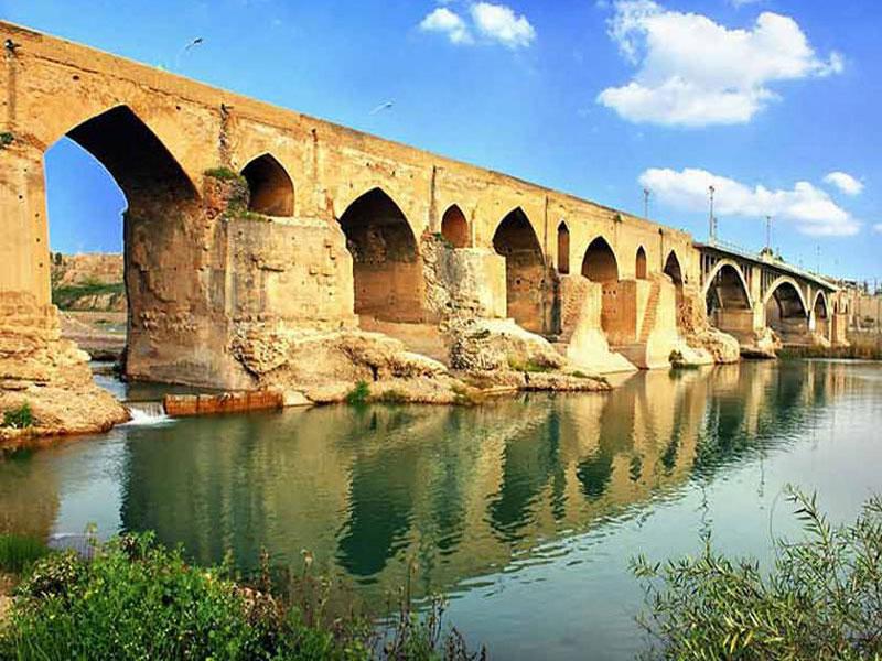 پل-تاریخی دزفول-یکی-از-قدیمی-ترین-پل-های-مستحکم-جهان