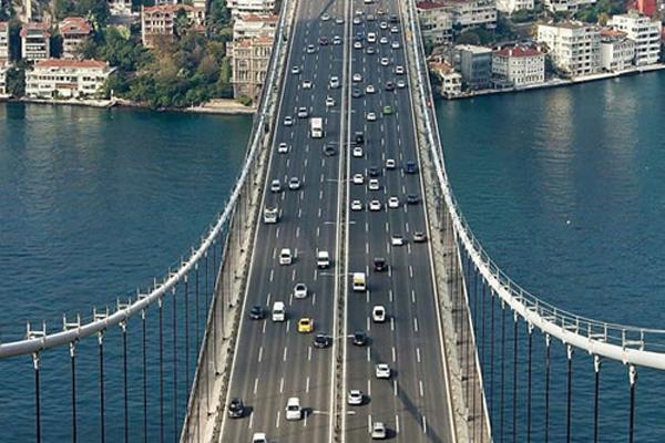 رفت-و-آمد-بر-روی-پل-بسفر استانبول