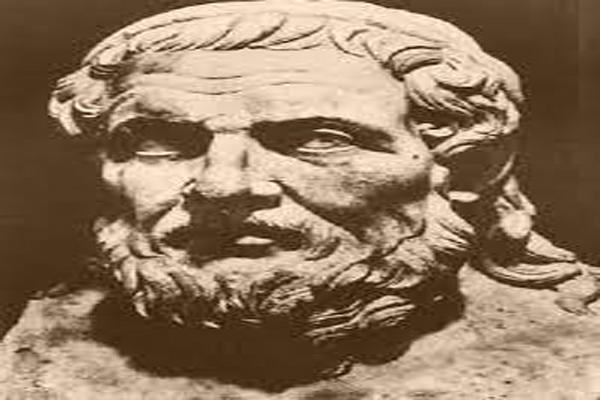 افراد-برجسته-در-شهر-باستانی-پرگا آنتالیا